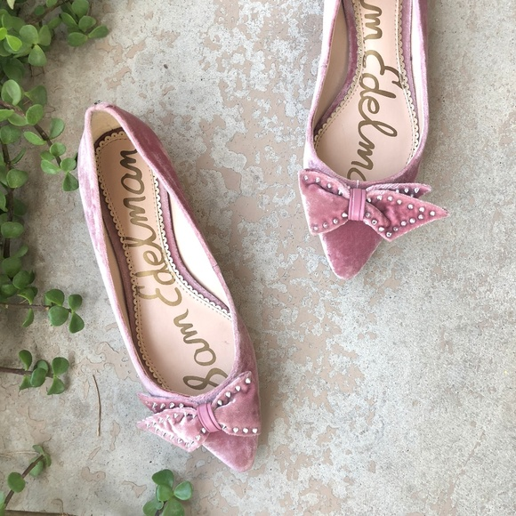 90c6fcd57c849 Sam Edelman Raisa Pink Velvet Pointed Toe Flats. M 5aa1da5a61ca10fc4057b76c